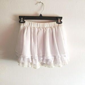 boutique Skirts - SALES Flirty skirt. Multi layers.